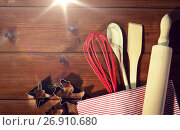 Купить «close up of kitchenware set for baking gingerbread», фото № 26910680, снято 7 октября 2015 г. (c) Syda Productions / Фотобанк Лори