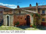 Купить «House in old Italy town», фото № 27009872, снято 5 мая 2017 г. (c) Михаил Коханчиков / Фотобанк Лори