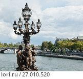 Купить «Фонарь на мосту Александра III (Pont Alexandre III). Солнечный день ранней осенью. Париж. Франция», фото № 27010520, снято 16 сентября 2017 г. (c) E. O. / Фотобанк Лори