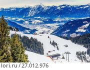 Купить «На склонах горнолыжного курорта Soll. Тироль, Австрия», фото № 27012976, снято 3 февраля 2017 г. (c) Николай Коржов / Фотобанк Лори