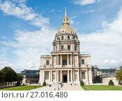 Купить «Собор Дома Инвалидов в солнечный день ранней осенью. Париж. Франция», фото № 27016480, снято 16 сентября 2017 г. (c) E. O. / Фотобанк Лори