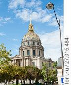 Купить «Вид на собор Дома Инвалидов. Солнечный день ранней осенью. Париж. Франция», фото № 27016484, снято 16 сентября 2017 г. (c) E. O. / Фотобанк Лори