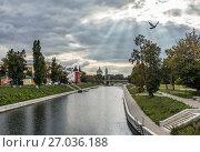 Купить «Город Орел. Река Орлик», фото № 27036188, снято 26 сентября 2017 г. (c) Юрий Кирсанов / Фотобанк Лори