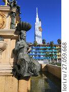 Купить «Фрагмент фонтана в Батуми», фото № 27059668, снято 25 сентября 2017 г. (c) Яна Королёва / Фотобанк Лори