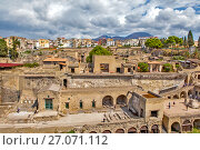 Купить «Панорама руин древнего города Геркуланума. Эрколано. Италия», фото № 27071112, снято 9 сентября 2017 г. (c) Сергей Афанасьев / Фотобанк Лори