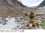 Купить «River near Chalaadi glacier in Caucasus mountains», фото № 27071228, снято 27 марта 2019 г. (c) Mikhail Starodubov / Фотобанк Лори