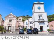 Купить «Town square in Lacco Ameno, street view. Ischia», фото № 27074876, снято 11 августа 2015 г. (c) EugeneSergeev / Фотобанк Лори
