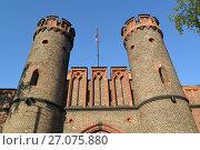 Купить «Башни Фридрихсбургских ворот, вид снизу. Калининград», фото № 27075880, снято 24 июня 2016 г. (c) Ирина Борсученко / Фотобанк Лори