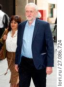 Купить «'The Andrew Marr Show' - Arrivals Featuring: Jeremy Corbyn, Laura Alvarez Where: London, United Kingdom When: 19 Jun 2016 Credit: Daniel Deme/WENN.com», фото № 27086724, снято 19 июня 2016 г. (c) age Fotostock / Фотобанк Лори