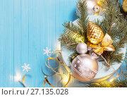 Купить «Christmas background with fir branchs and balls», фото № 27135028, снято 17 октября 2017 г. (c) Майя Крученкова / Фотобанк Лори