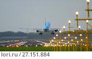 KLM Cityhopper Embraer 175 landing. Стоковое фото, фотограф Игорь Жоров / Фотобанк Лори