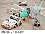 Купить «Самолет авиакомпании Fuji Dream Airlines готовится к взлету», фото № 27162104, снято 28 января 2012 г. (c) Александр Гаценко / Фотобанк Лори