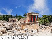 Купить «Кносский дворец на Крите, Ираклион, Греция», фото № 27162608, снято 5 июня 2017 г. (c) Наталья Волкова / Фотобанк Лори