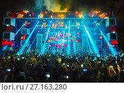 Купить «Stage view at music festival Starbeach on 17. July 2017 with Afrojack and Hardwell in Hersonissos, Crete, Greece, beach flirt dress in white party», фото № 27163280, снято 17 июля 2017 г. (c) age Fotostock / Фотобанк Лори