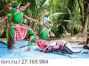 Купить «Young boys performing Gotipua dance, the traditional folk dance of Odisha inspired by Hindu gods, Lords Jagannath and Krishna, Odisha, India, Asia», фото № 27169984, снято 13 января 2017 г. (c) age Fotostock / Фотобанк Лори