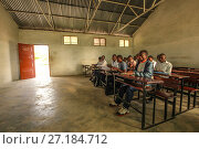 Купить «An English class in the secondary school in Mossuril, Mozambique. June 2011», фото № 27184712, снято 18 августа 2018 г. (c) Nature Picture Library / Фотобанк Лори