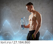 Купить «young man or bodybuilder with bottle of water», фото № 27184860, снято 2 июля 2017 г. (c) Syda Productions / Фотобанк Лори