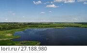 Купить «Rise up on quadrocopter over the countryside in Russia», видеоролик № 27188980, снято 20 августа 2019 г. (c) Володина Ольга / Фотобанк Лори