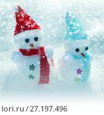 Christmas tree decorations in snow. Стоковое фото, фотограф ElenArt / Фотобанк Лори