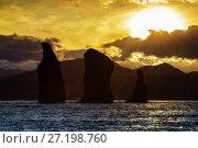Купить «Скалы Три Брата на закате солнца. Камчатка», фото № 27198760, снято 1 октября 2017 г. (c) А. А. Пирагис / Фотобанк Лори