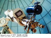 Купить «professional telescope», фото № 27205028, снято 17 апреля 2016 г. (c) Яков Филимонов / Фотобанк Лори