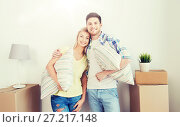 Купить «happy couple with stuff moving to new home», фото № 27217148, снято 25 февраля 2016 г. (c) Syda Productions / Фотобанк Лори