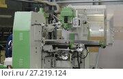 Купить «Mechanical vertical milling machine», видеоролик № 27219124, снято 15 июня 2017 г. (c) Андрей Радченко / Фотобанк Лори