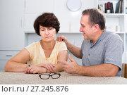Купить «Tired mature woman having issues with her husband», фото № 27245876, снято 26 марта 2019 г. (c) Яков Филимонов / Фотобанк Лори