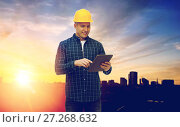 Купить «male builder in yellow hard hat with tablet pc», фото № 27268632, снято 7 марта 2015 г. (c) Syda Productions / Фотобанк Лори