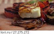 Купить «Grilled vegetables on a plate», видеоролик № 27275272, снято 19 ноября 2017 г. (c) Потийко Сергей / Фотобанк Лори