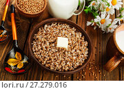 Купить «Buckwheat porridge with butter», фото № 27279016, снято 24 апреля 2017 г. (c) Надежда Мишкова / Фотобанк Лори