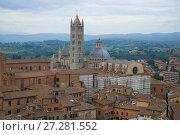 Вид на кафедральный собор Сиены (Duomo di Siena) облачным сентябрьским днем. Италия (2017 год). Стоковое фото, фотограф Виктор Карасев / Фотобанк Лори