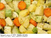 Купить «Кабачки, картошка, морковь. Овощи, запеченные в духовке», фото № 27289020, снято 20 августа 2017 г. (c) Dmitry29 / Фотобанк Лори
