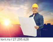 Купить «male builder in yellow hard hat with blueprint», фото № 27295628, снято 7 марта 2015 г. (c) Syda Productions / Фотобанк Лори