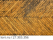 Купить «Shabby parquet in old soviet building», фото № 27303356, снято 8 декабря 2017 г. (c) Георгий Дзюра / Фотобанк Лори