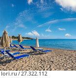 Купить «Summer morning beach (Chalkidiki, Greece).», фото № 27322112, снято 23 июля 2016 г. (c) Юрий Брыкайло / Фотобанк Лори