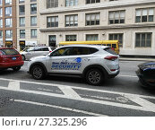 A vehicle from former NYPD detective and now private investigator Bo Dietl's fleet of cars for his private investigation business parked in Chelsea in... (2017 год). Редакционное фото, фотограф Richard Levine / age Fotostock / Фотобанк Лори