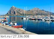 Купить «San Vito lo Capo port, Sicily, Italy», фото № 27336008, снято 16 июня 2017 г. (c) Юрий Брыкайло / Фотобанк Лори