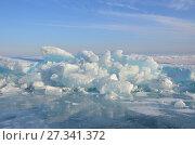 Купить «Россия, ледяные торосы на Байкале в марте», фото № 27341372, снято 28 февраля 2017 г. (c) Овчинникова Ирина / Фотобанк Лори