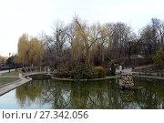 Купить «Сквер на набережной реки Салгир. Симферополь», фото № 27342056, снято 10 марта 2015 г. (c) Free Wind / Фотобанк Лори