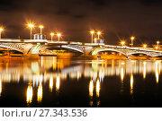Купить «Благовещенский мост. Ночной вид. Санкт-Петербург», фото № 27343536, снято 31 декабря 2017 г. (c) Сергей Афанасьев / Фотобанк Лори