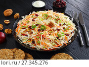 Купить «close-up of Apple Cranberry and walnuts Coleslaw», фото № 27345276, снято 30 декабря 2017 г. (c) Oksana Zh / Фотобанк Лори