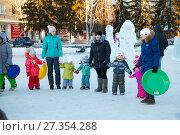 Купить «Зимние забавы», фото № 27354288, снято 5 января 2018 г. (c) Иван Карпов / Фотобанк Лори