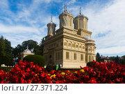 Купить «Cathedral in romanian city», фото № 27371224, снято 23 сентября 2017 г. (c) Яков Филимонов / Фотобанк Лори