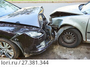 Купить «Car crash accident on street», фото № 27381344, снято 19 августа 2017 г. (c) Дмитрий Калиновский / Фотобанк Лори