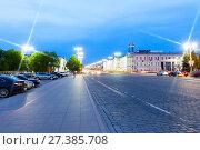 Купить «Ночной вид на проспект имени Ленина в Екатеринбурге», фото № 27385708, снято 21 мая 2015 г. (c) Евгений Ткачёв / Фотобанк Лори