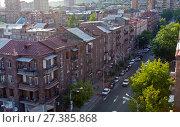 Купить «One of the central streets of Yerevan», фото № 27385868, снято 5 июля 2016 г. (c) Евгений Ткачёв / Фотобанк Лори