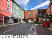 Купить «Уулица в историческом центре города Шпитталь-ан-дер-Драу. Каринтия, Австрия.», фото № 27388740, снято 8 октября 2017 г. (c) Bala-Kate / Фотобанк Лори