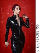 Купить «Beautiful fetish model in latex costume», фото № 27388756, снято 26 октября 2017 г. (c) Дмитрий Черевко / Фотобанк Лори