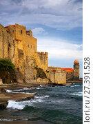 Купить «Medieval Royal castle in Collioure», фото № 27391528, снято 11 мая 2017 г. (c) Яков Филимонов / Фотобанк Лори